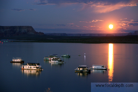 USA - Moonrise at Lake Powell, Arizona